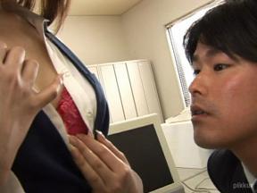 ミニスカOLの淫らな日常 滝沢優奈 02