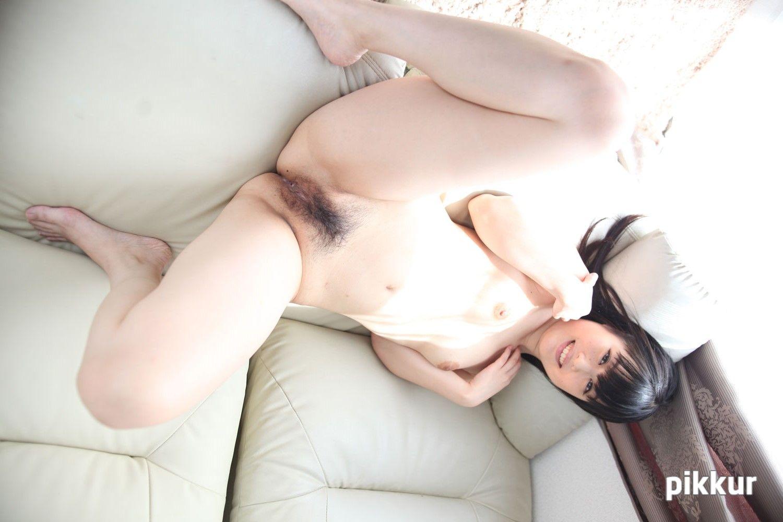 素人娘をAVデビューさせちゃいました! 鳴海小春 03
