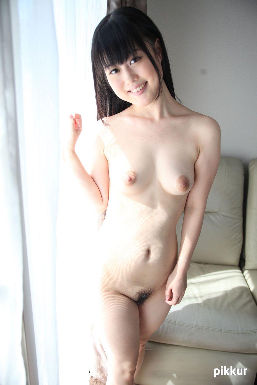 素人娘をAVデビューさせちゃいました! Part.2 鳴海小春 03