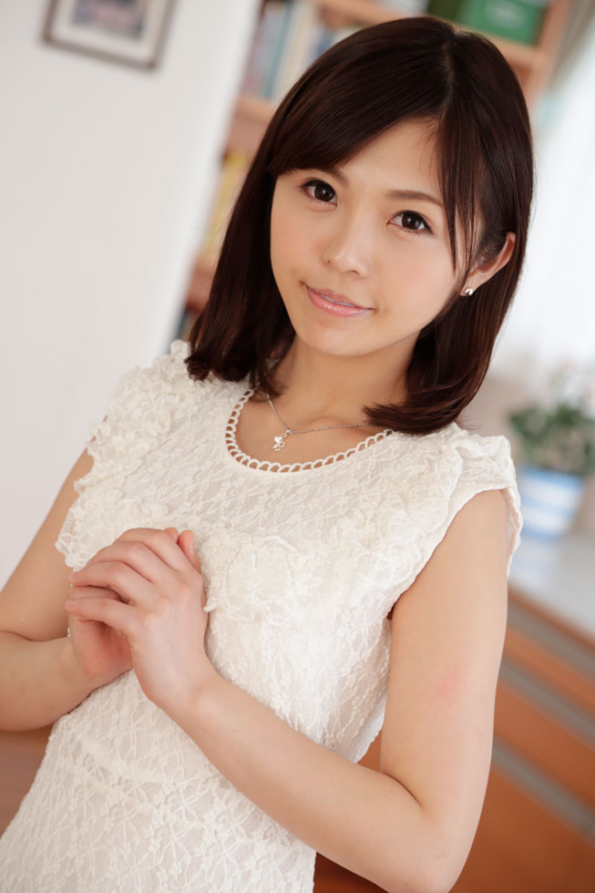 Debut Vol.43: An Innocent Shaved Girl