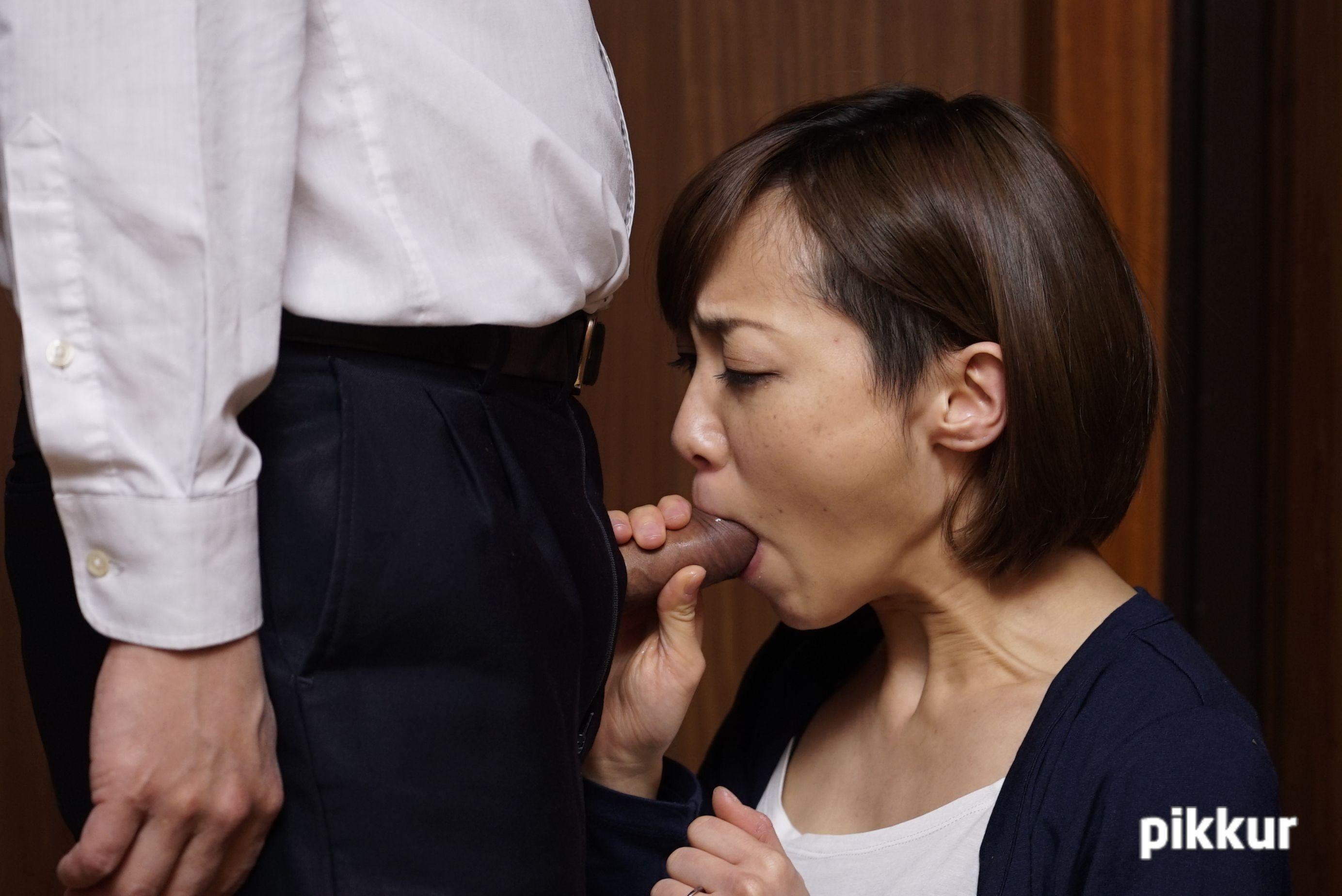 夫の目の前で妻が 〜結婚祝いにきた上司の罠〜 目々澤めぐ 02