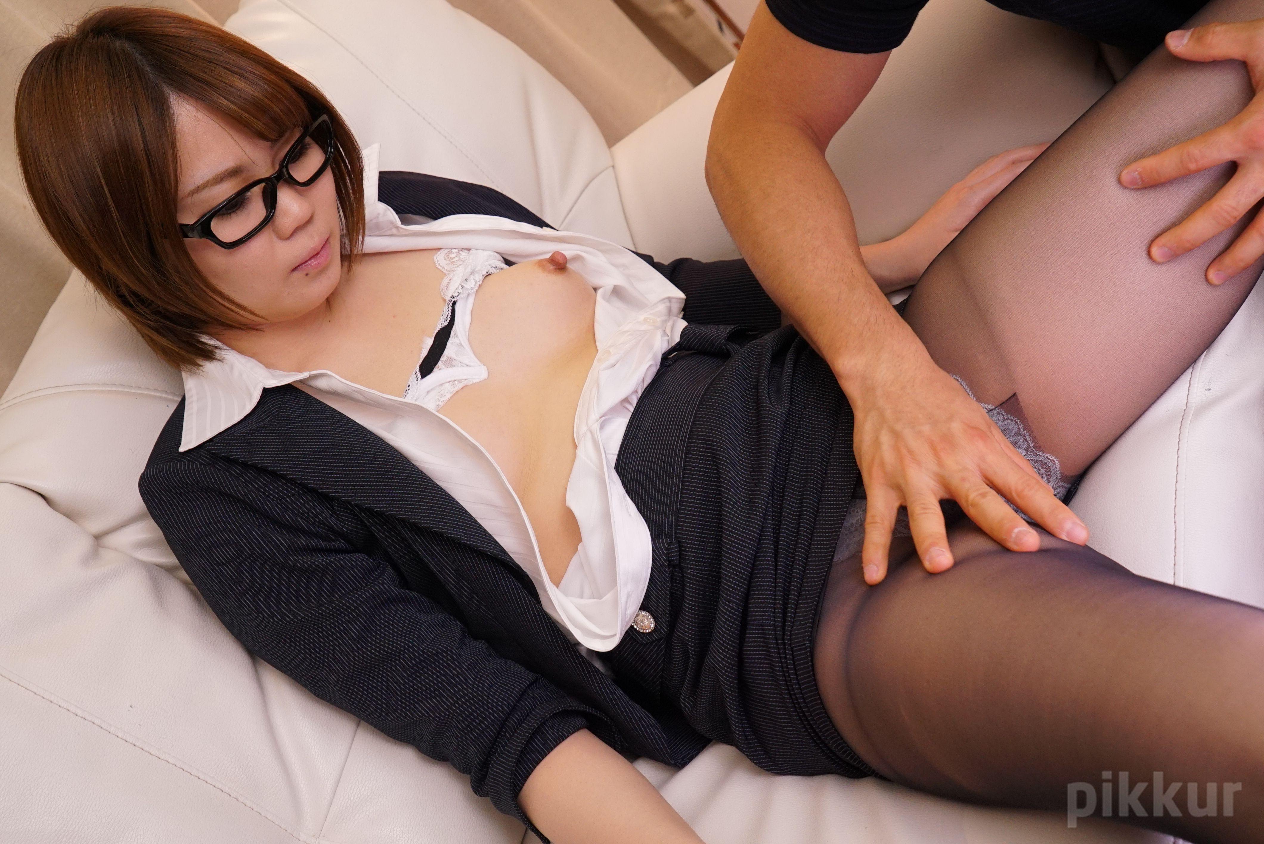 パンツを脱いでもメガネは外しません〜保険外交員〜 斉藤良子 05